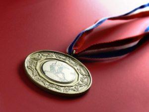 medal-1512895-639x479